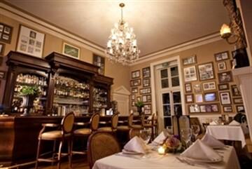 The OHEKA Bar & Restaurant